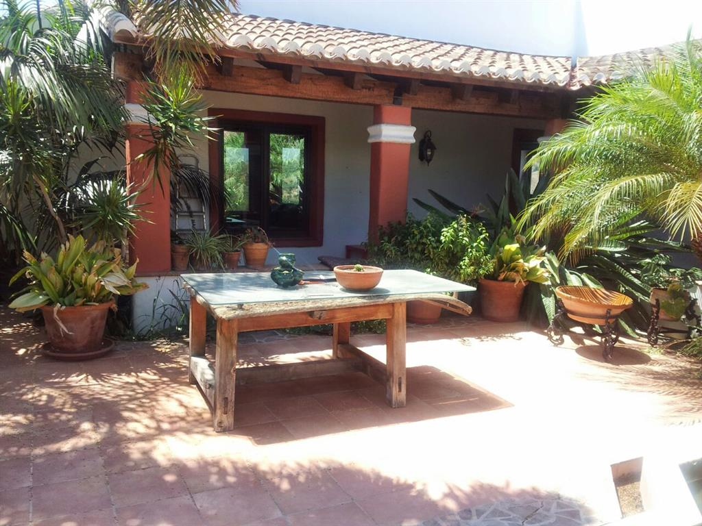 3 Bedroom Equestrian for Sale in Coin
