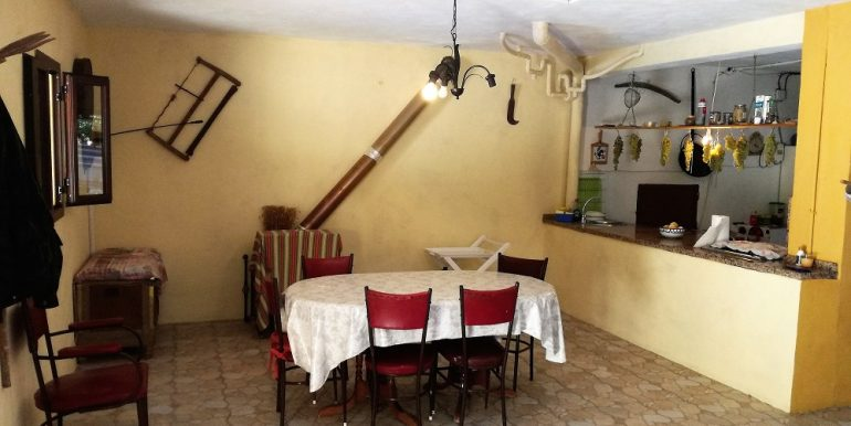 7 Bedroom Country House for Sale in Iznajar