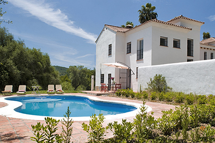 7 Bedroom Country House with guest accommodation for Sale in Casares