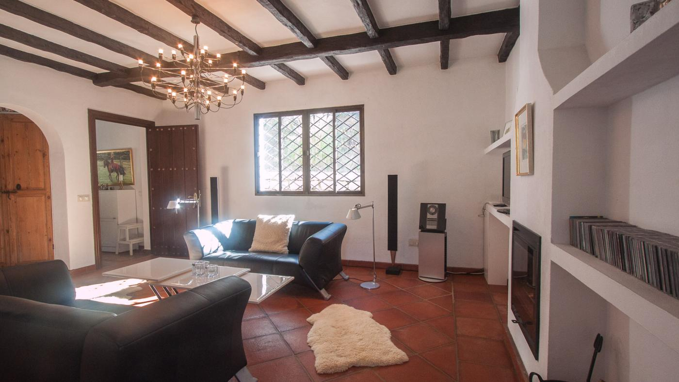 2 Bedroom Country House for Sale in Casares