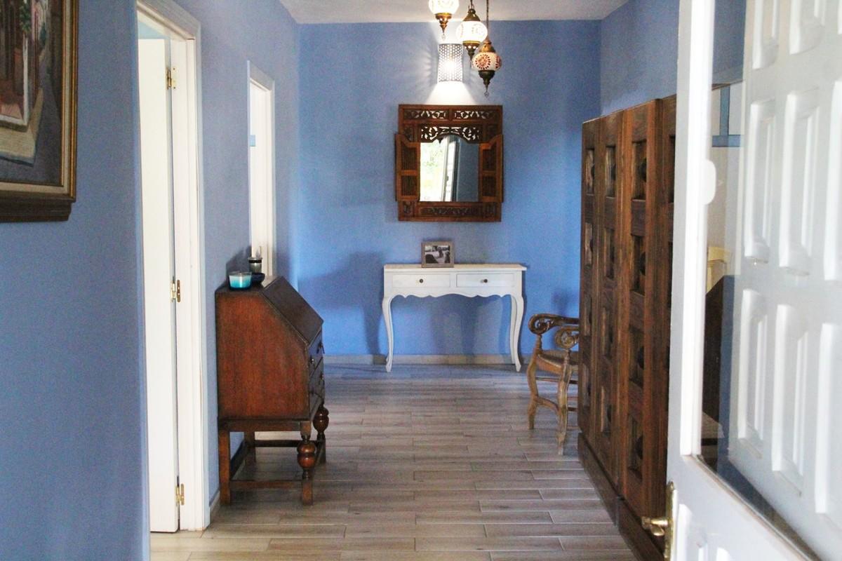 3 Bedroom Equestrian for Sale in San Martin Del Tesorillo