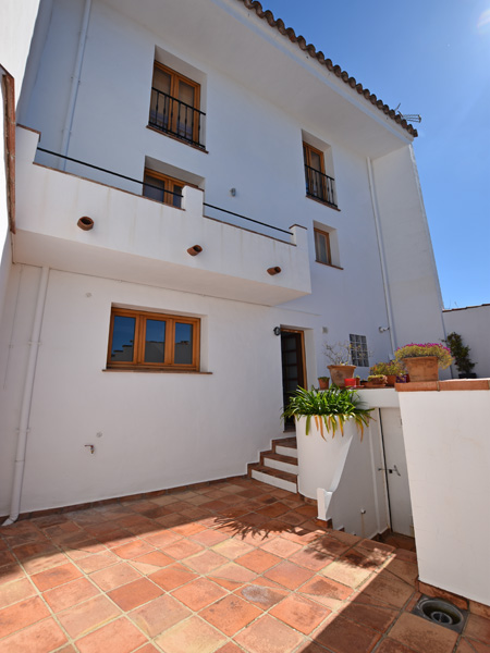 3 Bedroom Village House for Sale in Gaucin