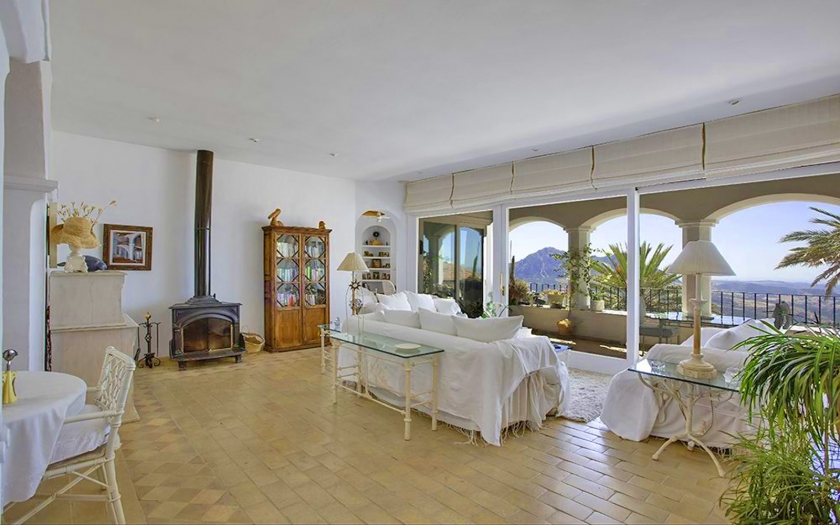 5 Bedroom Holiday business for Sale in Gaucin