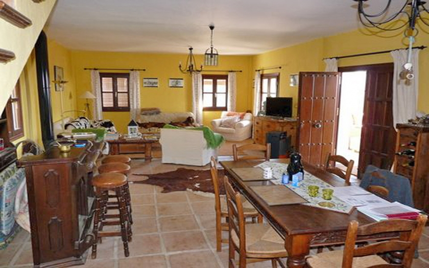 4 Bedroom Equestrian for Sale in Gaucin