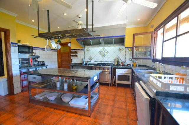 12 Bedroom Hotels and hostal for Sale in Casarabonela