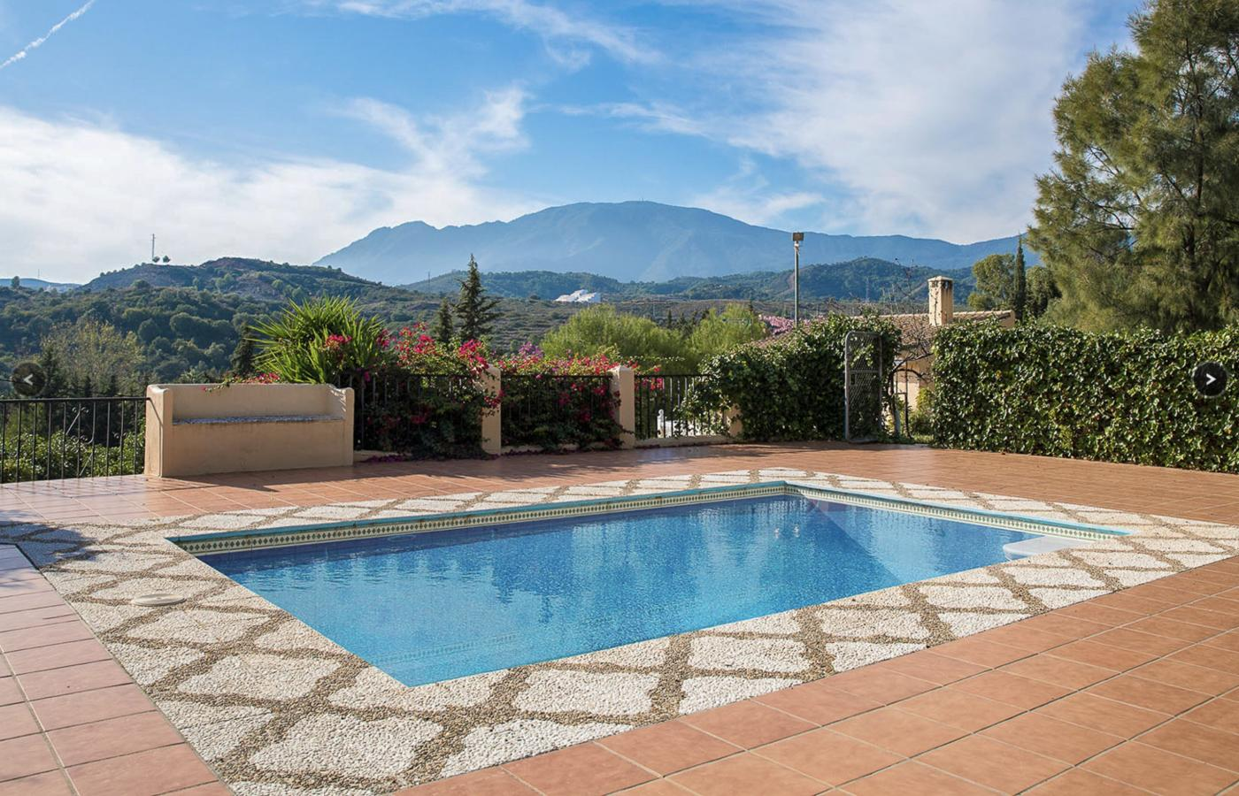 5 Bedroom Finca for Sale in Estepona
