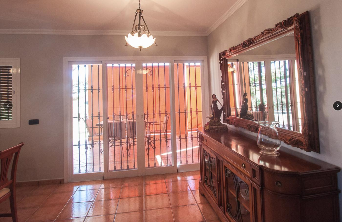 3 Bedroom Country House with guest accommodation for Sale in Estepona