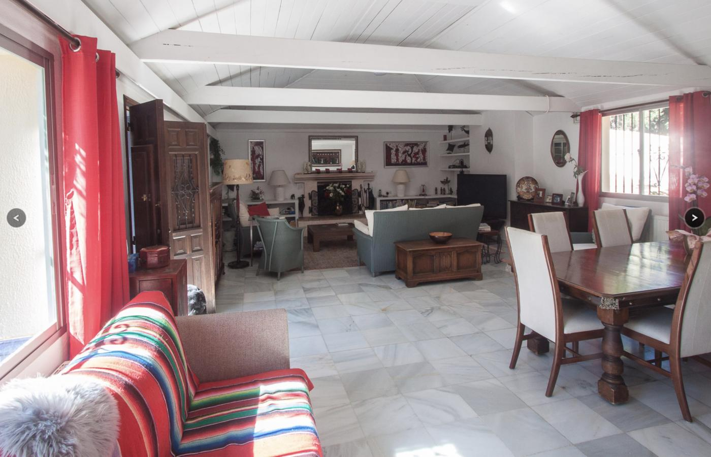 9 Bedroom Country House with guest accommodation for Sale in Estepona
