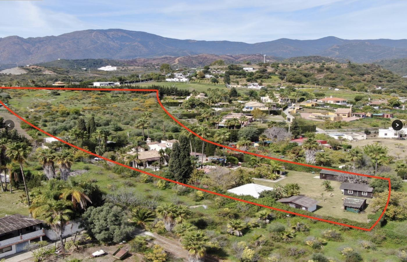9 Bedroom Country Estate for Sale in Estepona