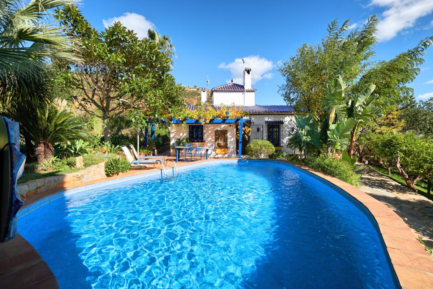 2 Bedroom Coastal Property Country Style Living for Sale in Estepona