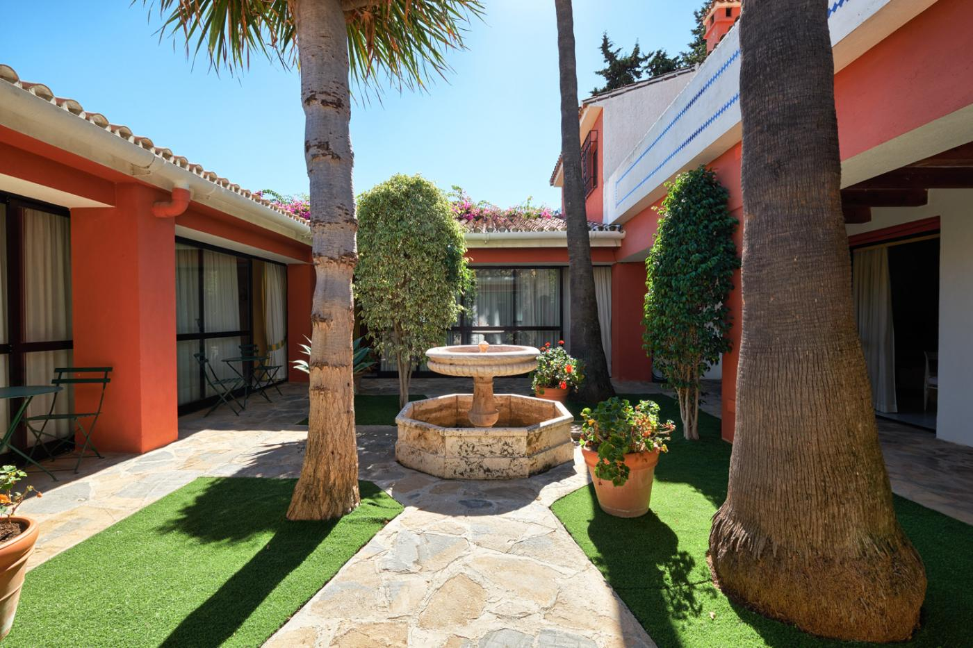 12 Bedroom Commercial for Sale in Marbella