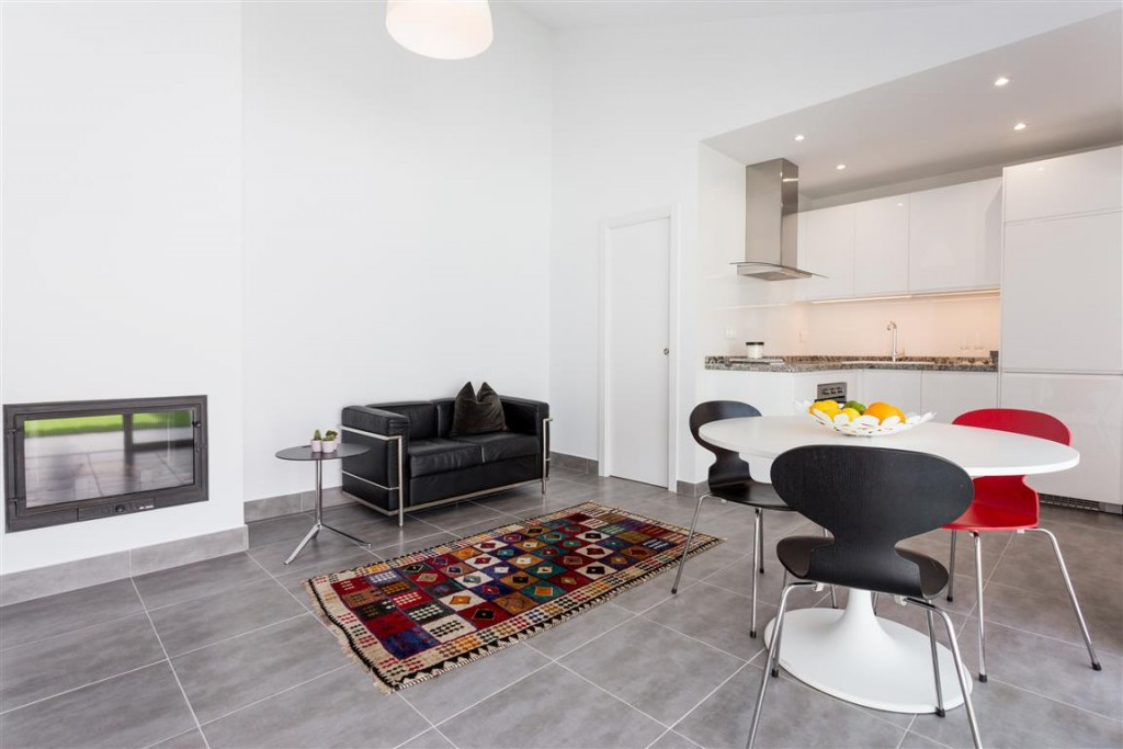 2 Bedroom Villa for Sale in Estepona
