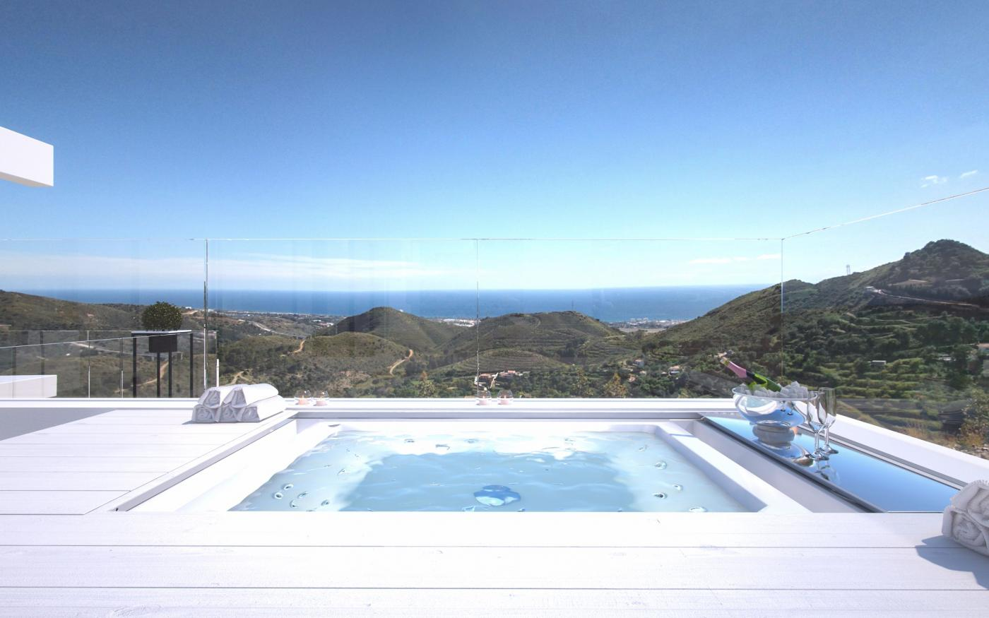 3 Bedroom Apartment for Sale in Marbella | View of Pool to Sea