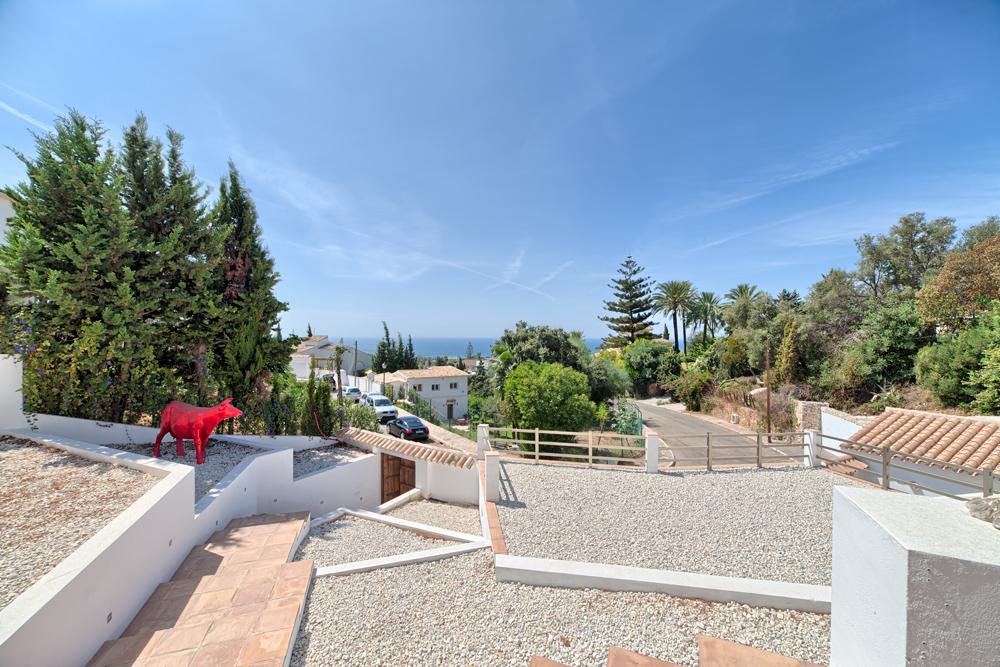 5 Bedroom contemporary villa for Sale in Marbella |