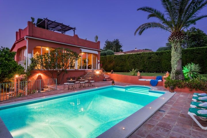 7 Bedroom Hotels and hostal for Sale in Marbella |