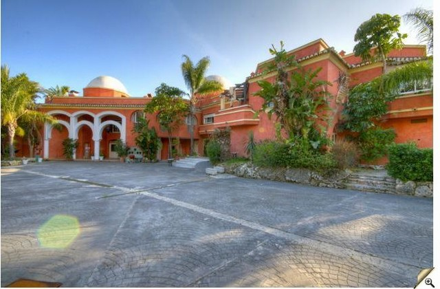 22 Bedroom Hotels and hostal for Sale in Benahavis |