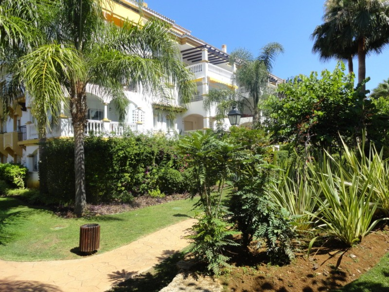 2 Bedroom Penthouse for Sale in Nueva Andalucia |