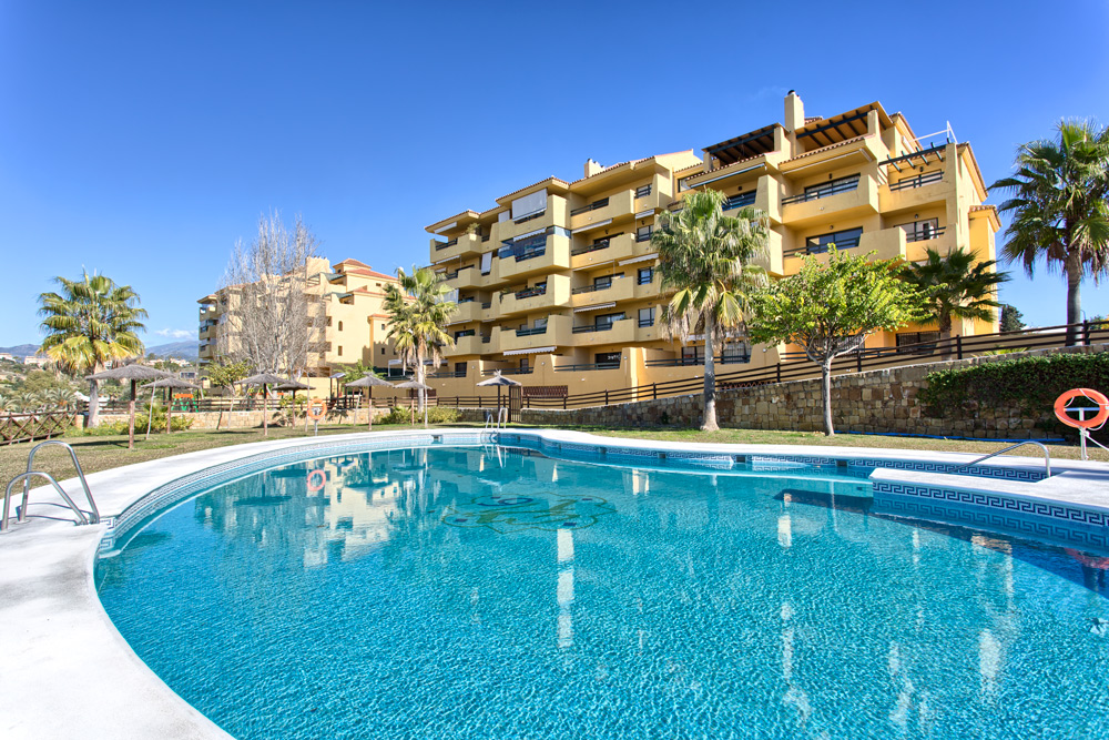 3 Bedroom Apartment for Sale in Estepona |