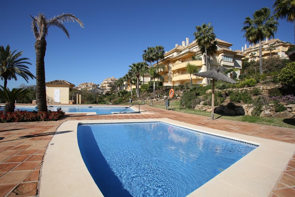 2 Bedroom Apartment for Sale in Elviria Hills  