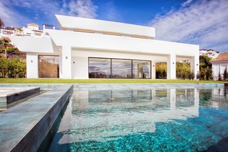 5 Bedroom contemporary villa for Sale in Benahavis |