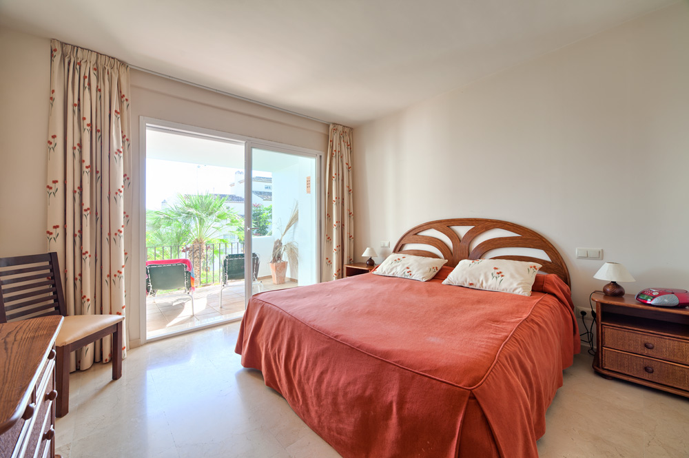 2 Bedroom Apartment for Sale in Benahavis |