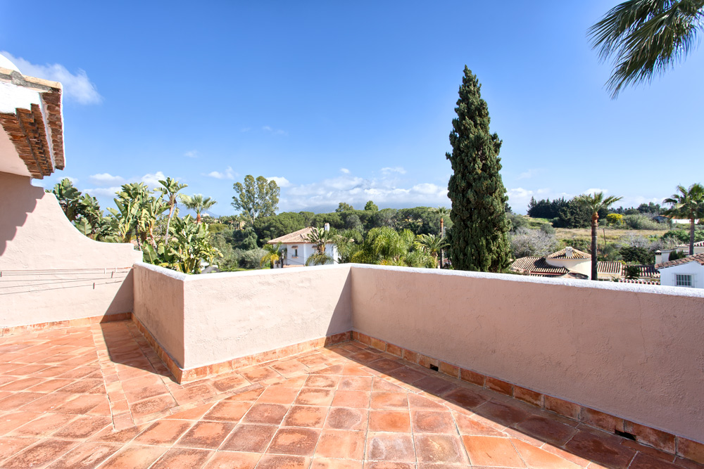 4 Bedroom Town House for Sale in Nueva Andalucia |