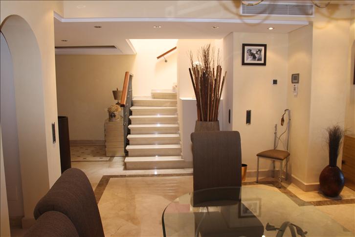 3 Bedroom Duplex for Sale in Estepona |