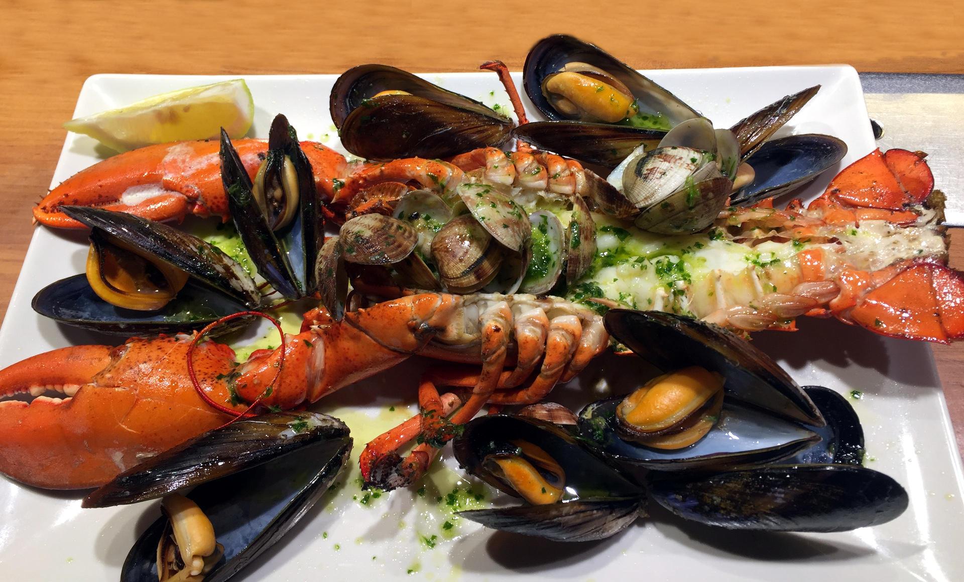 barcelona jedzenie owoce morza iglawpodrozy