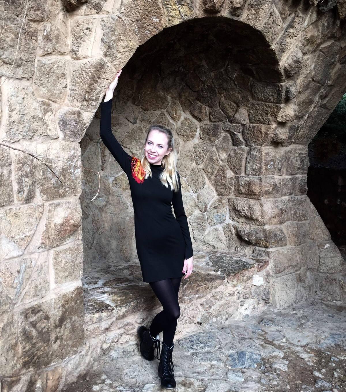 barcelona miasteczko palau guell gaudi igla nosi iglawpodrozy