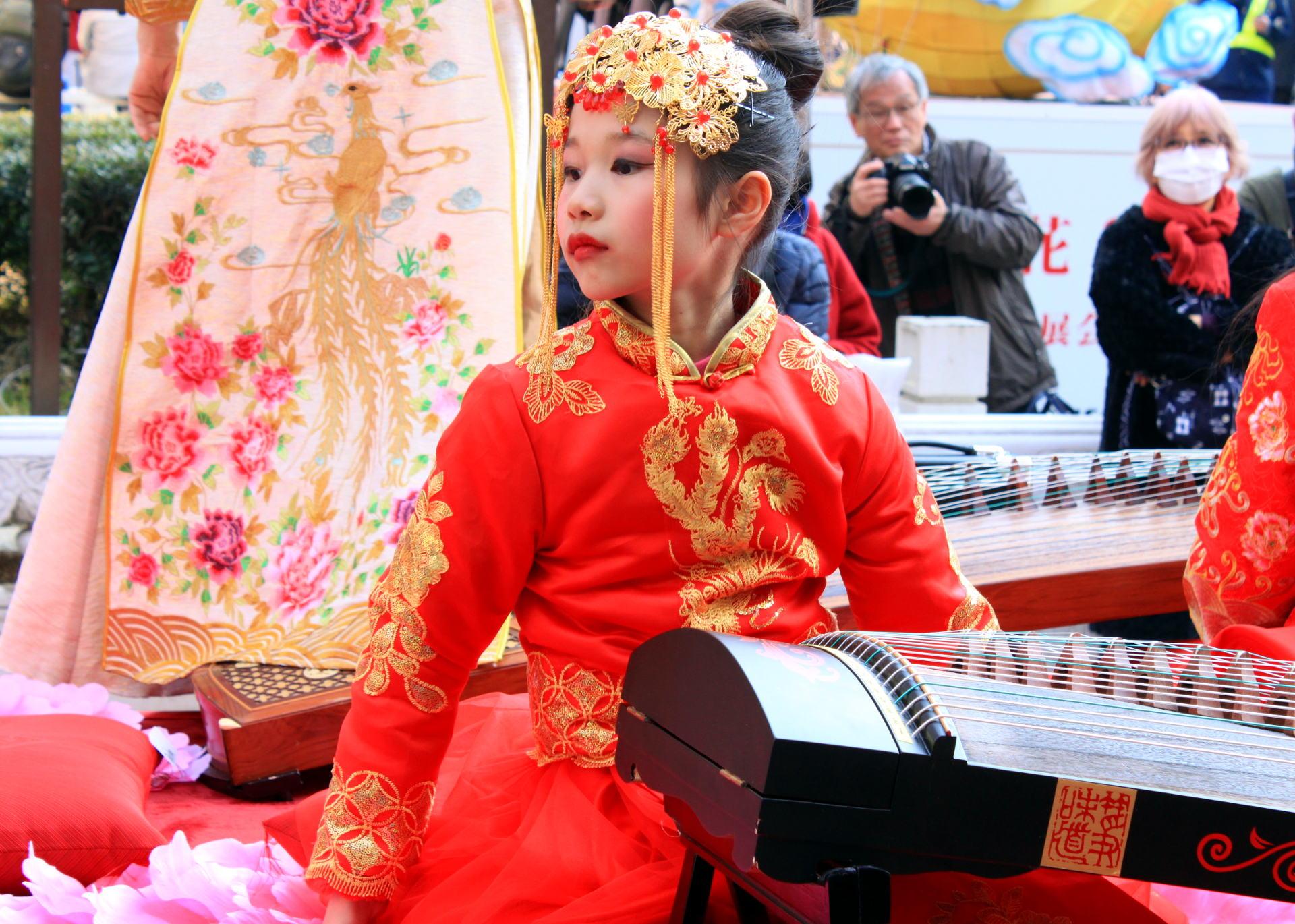 dziewczynka parada nowyrok chinatown iglawpodrozy