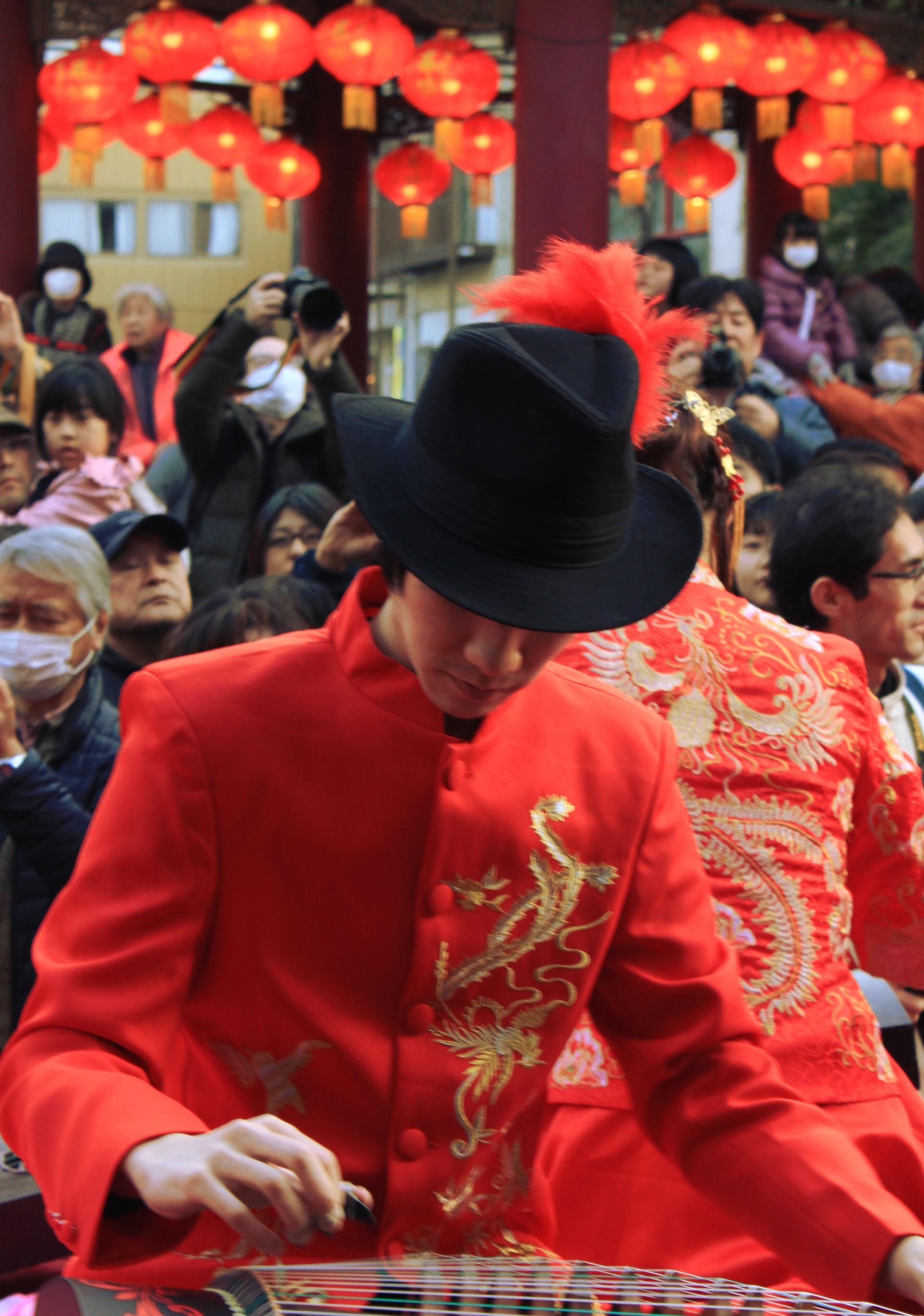 yokohama święto nowy rok parada chłopiec chinatown chinska dzielnica iglawpodrozy