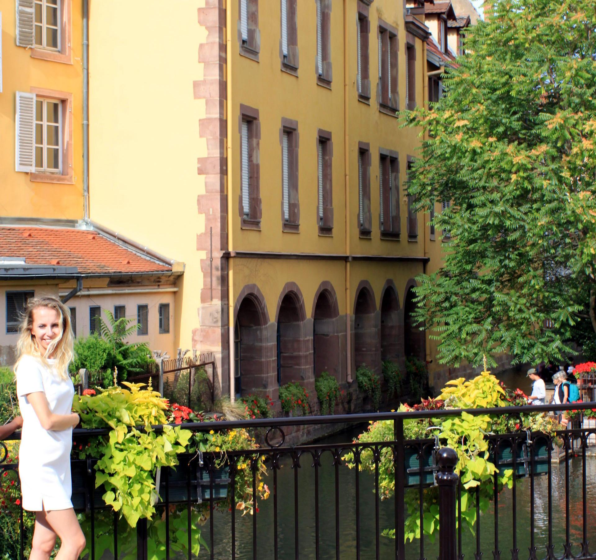 mała wenecja colmar uliczki przy rzece lauch iglawpodrozy