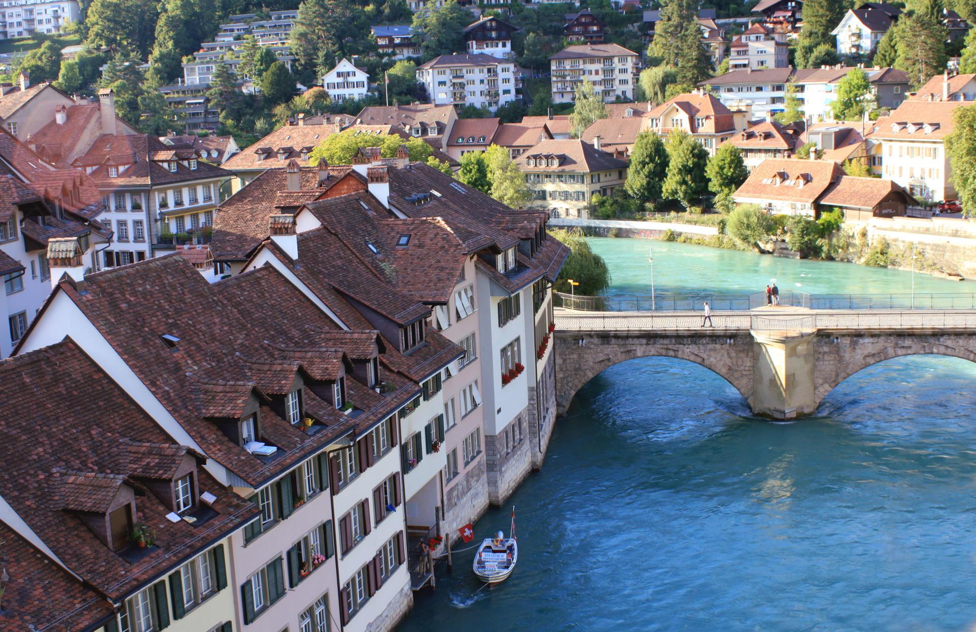 szwajcaria berno bern rzeka aare most widok staremiasto stolica iglawpodrozy