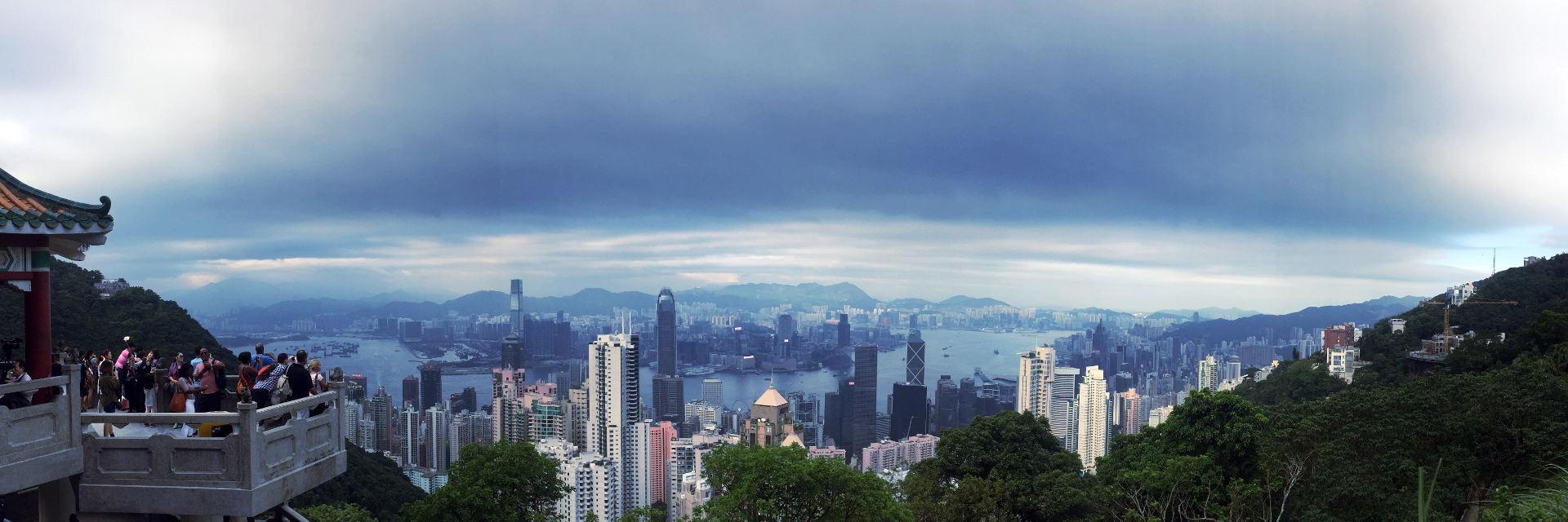 2 dni w Hongkongu w drodze powrotnej z Japonii? Dlaczego nie! Hongkong robi piorunujące wrażenie, a wysokość i pomysłowa architektura drapaczy chmur przyprawia o zawrót głowy.
