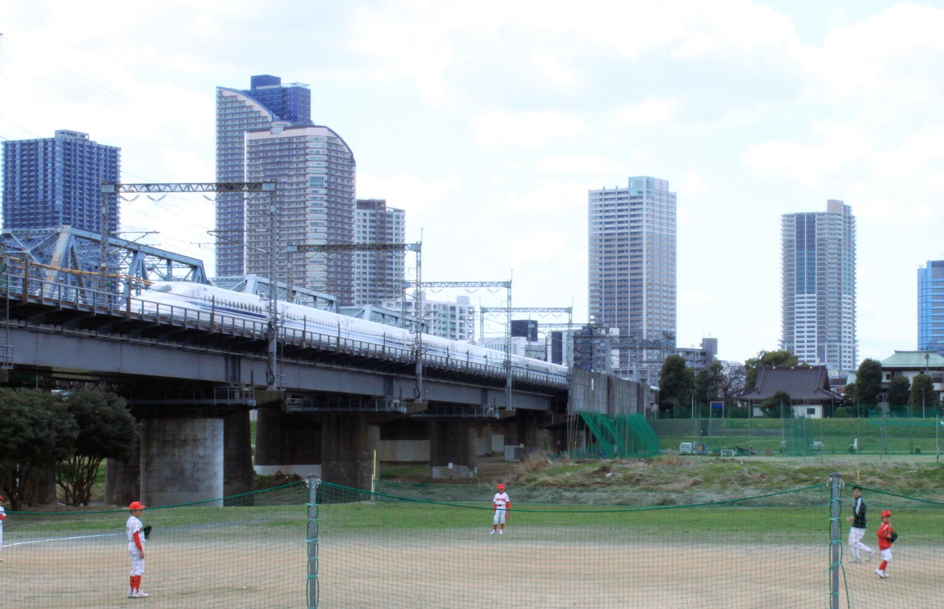 tokio japonia tokyo japan shinkansenpociag shinkansen iglawpodrozy