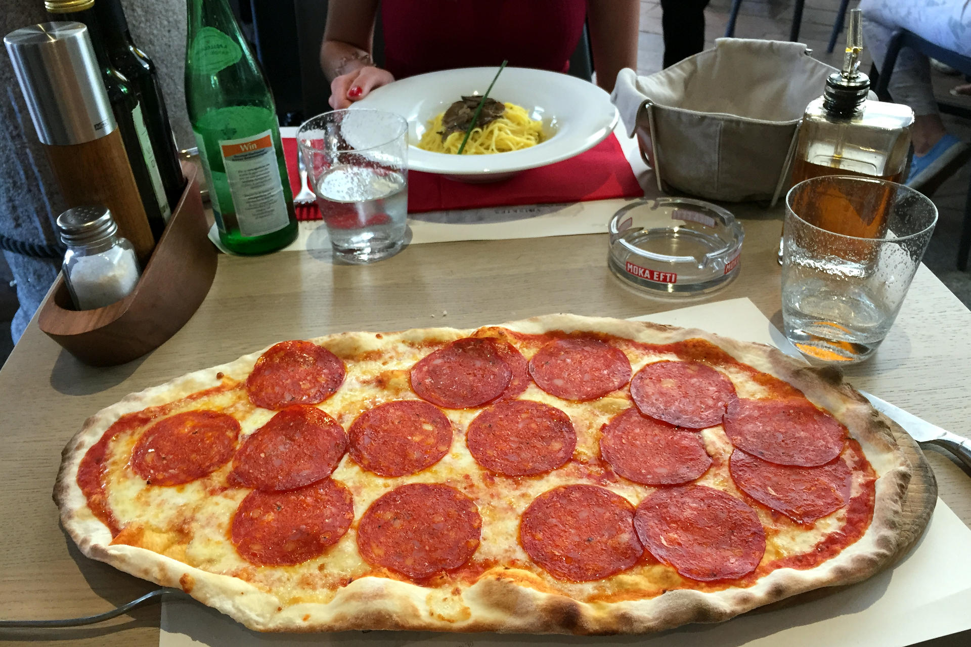 szwajcaria lugano luganoszwajcaria pizzawloskalugano pizzalugano kuchniawloskalugano restauracjaluganoszwajcaria iglawpodrozy