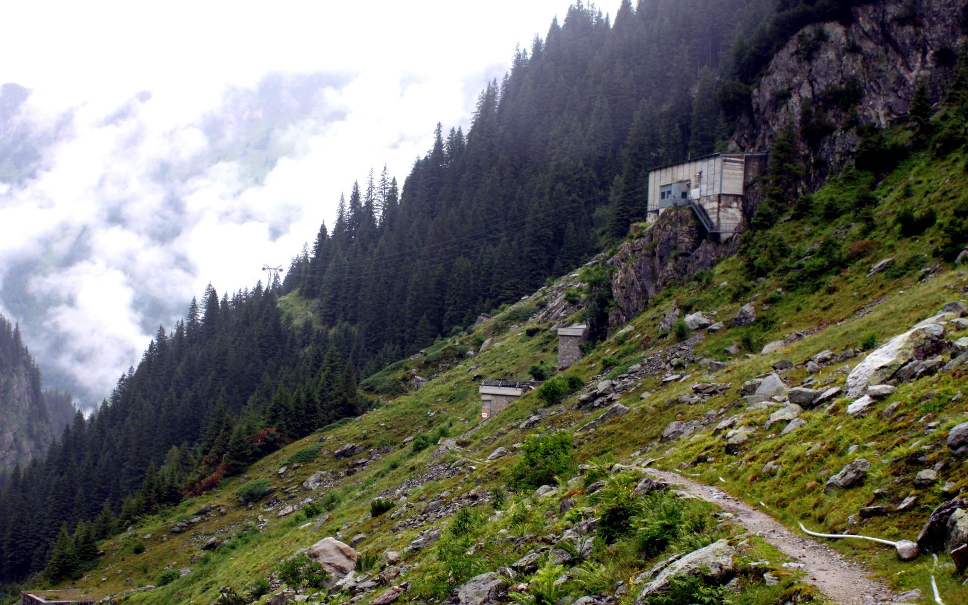 Szwajcaria wiodok Alpy górna stacja wyciągu do mostu trift iglawpodrozy