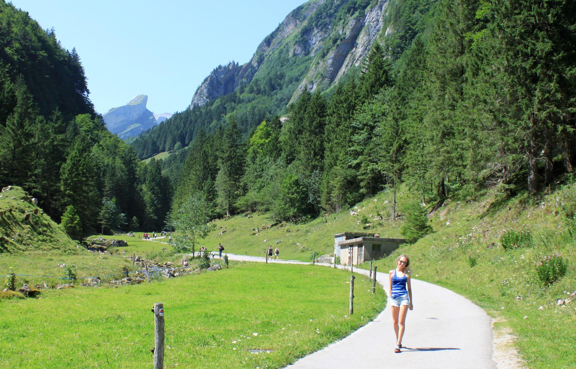szwajcaria seealpsee góry alpy widok iglawpodrozy
