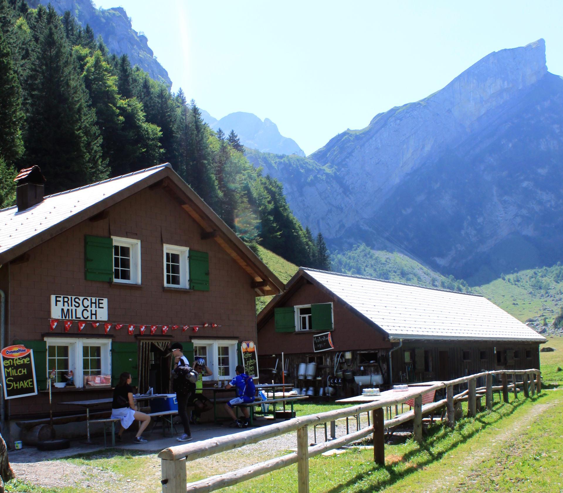 szwajcaria seealpsee alpy świeże mlek iglawpodrozy
