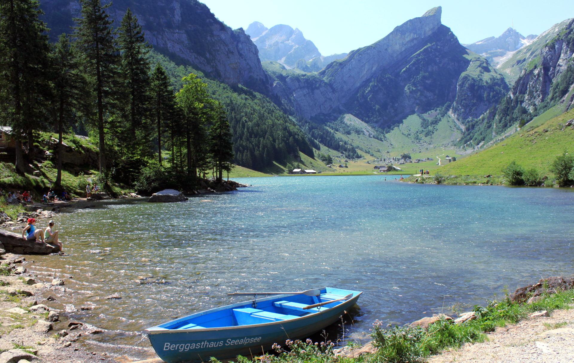 szwajcaria seealpsee jezioro natura łódka iglawpodrozy