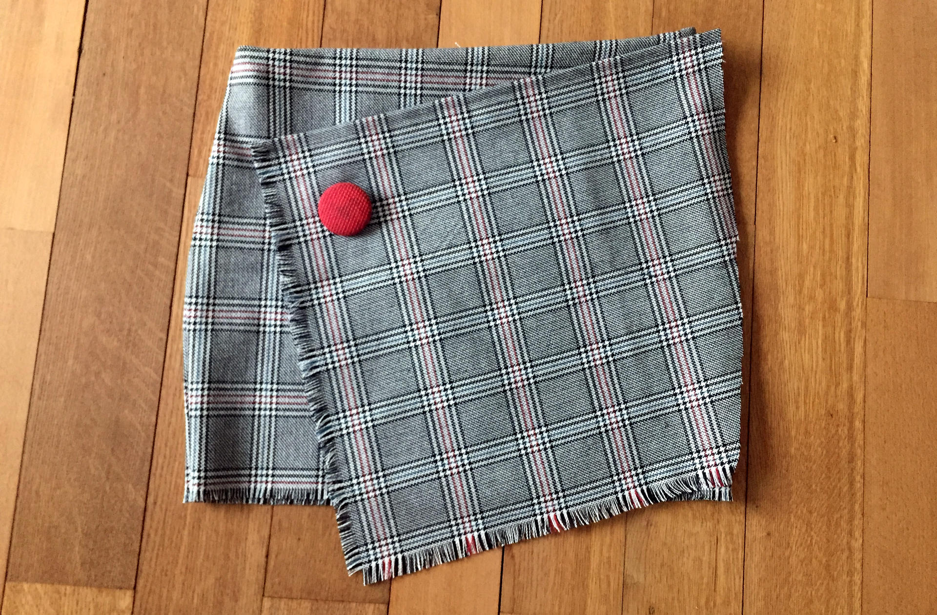 asymetryczna spódniczka w kratkę, design by iglawpodrozy