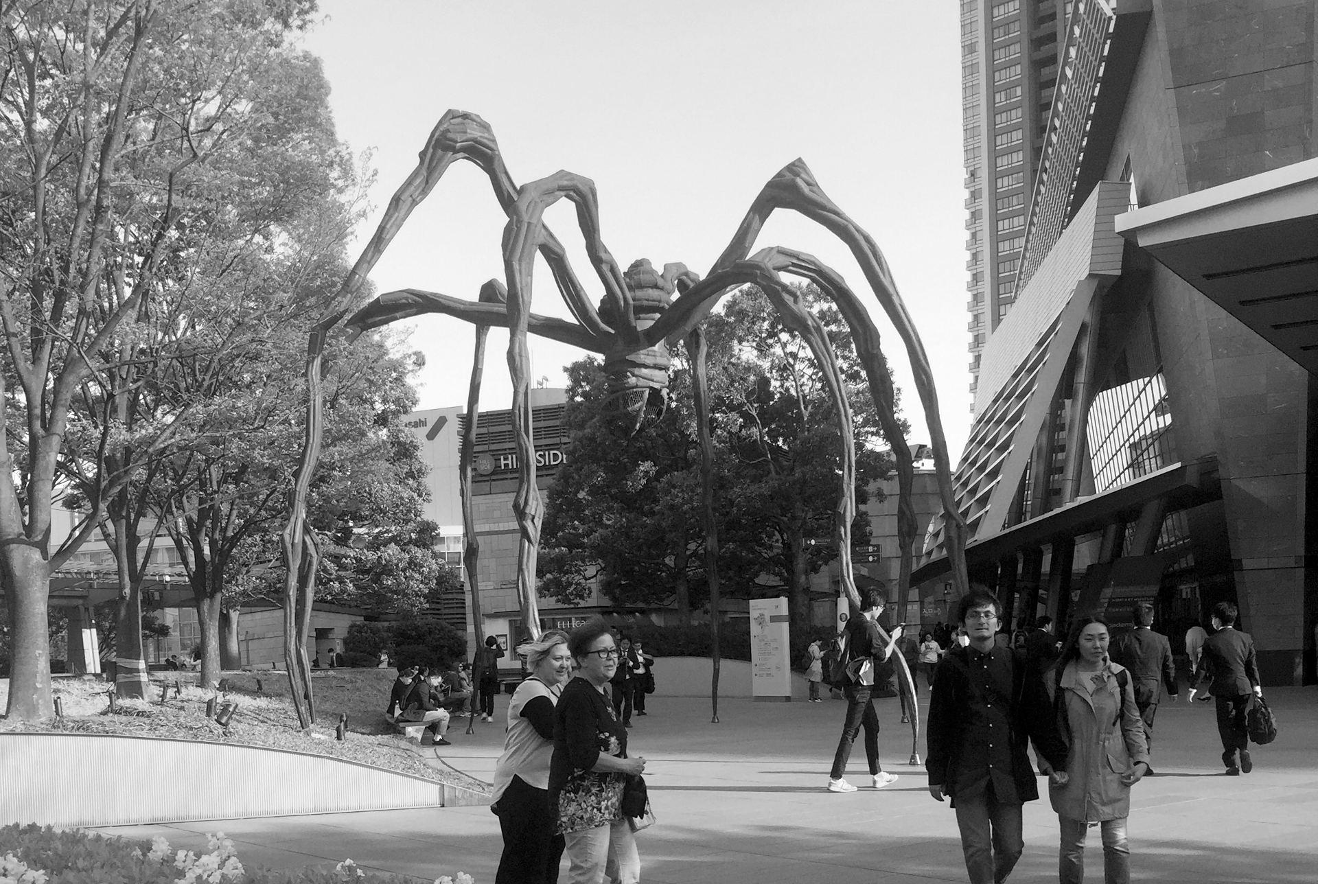Rappongi Hills rzeźba pająka: Maman Minato City Tokio iglawpodrozy