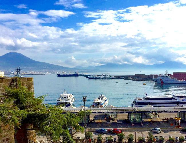 neapol wlochy widok wezuwiusz wulkan zatoka iglawpodrozy