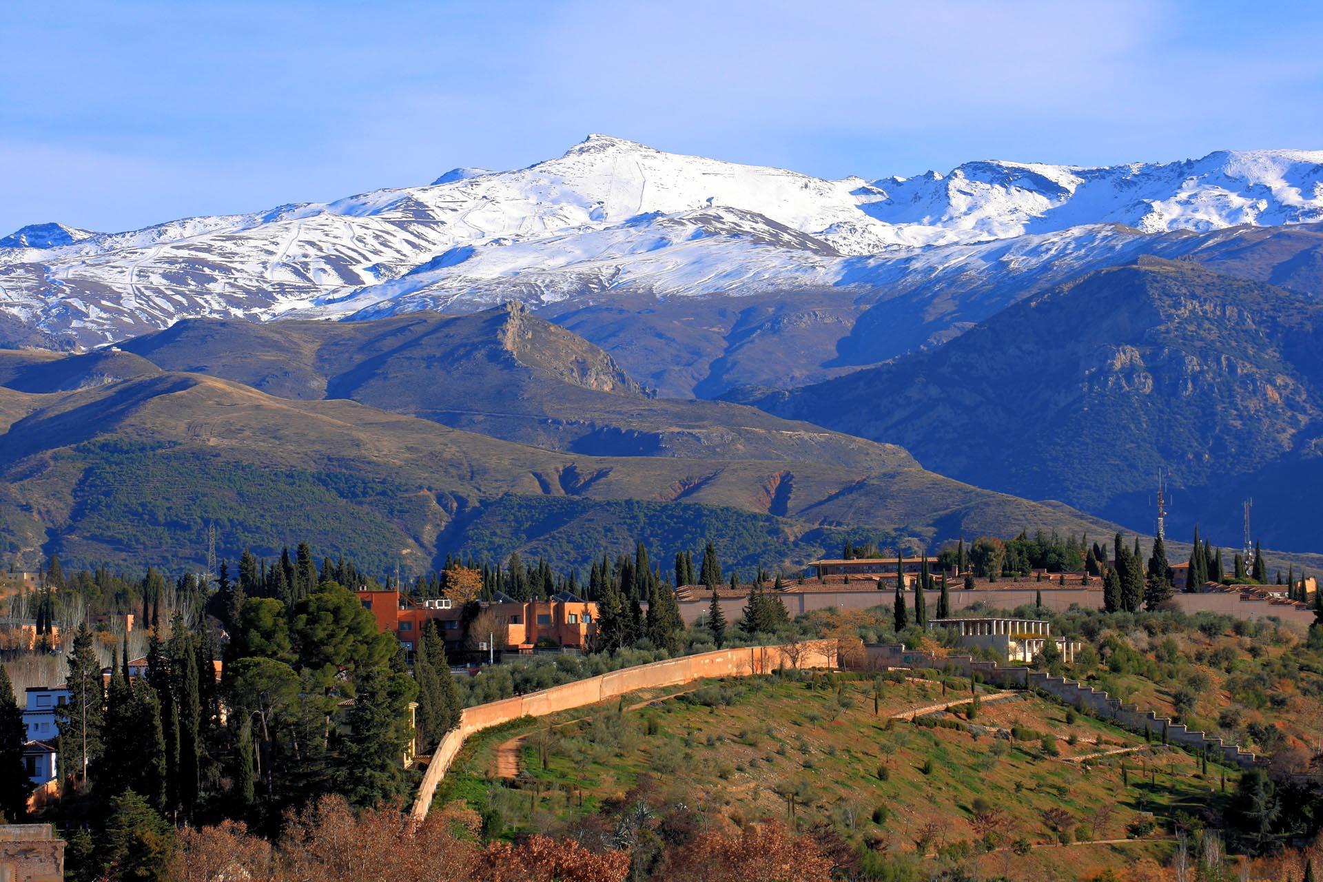 Una Montaña Nevada: Sierra Nevada, Las Montañas Más Altas
