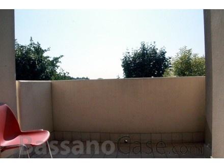 APPARTAMENTO BICAMERE ARREDATO DI CUCINA IN AFFITTO A ROMANO D'EZZELINO