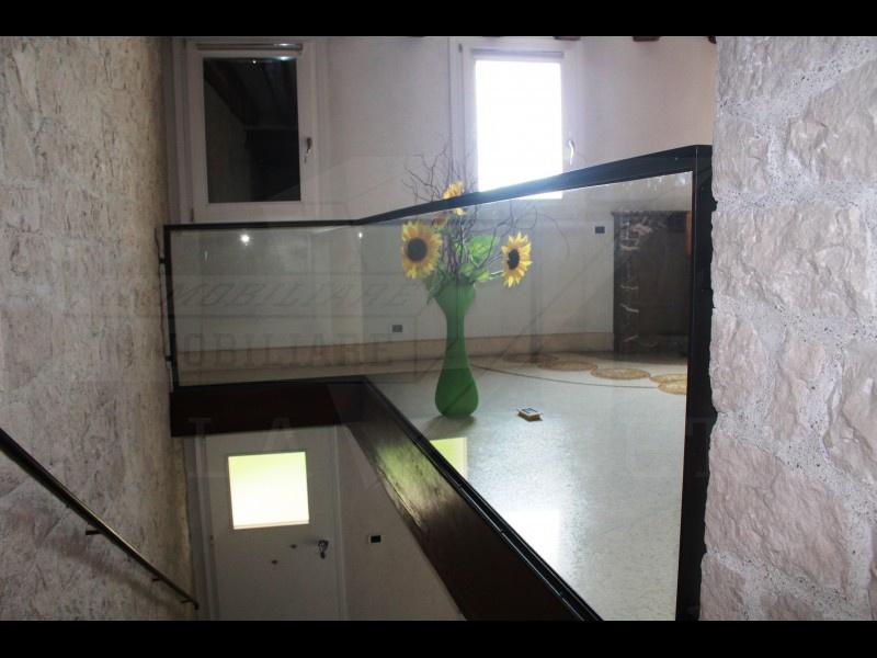 ELEGANTE RUSTICO IN VENDITA NELLA PEDEMONTANA VICINO A BASSANO DEL GRAPPA - Foto 10 di 23