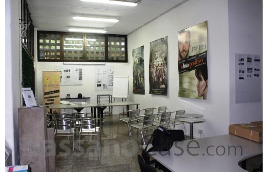 ELEGANTE UFFICIO / LABORATORIO CON PARCHEGGIO PRIVATO - Foto 2 di 5
