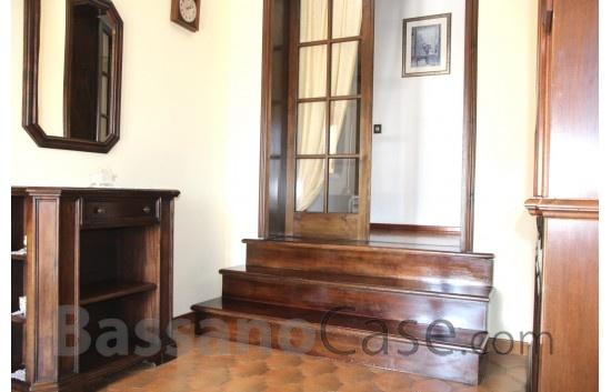 VILLA SINGOLA SVILUPPATA SU UN UNICO PIANO IN VENDITA NELLA PEDEMONTANA VICINO A BASSANO DEL GRAPPA - Foto 11 di 20