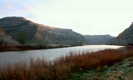 Fiume Colorado che attraversa l'Imperial Valley aiutando l'agricoltura fatta in una zona desertica