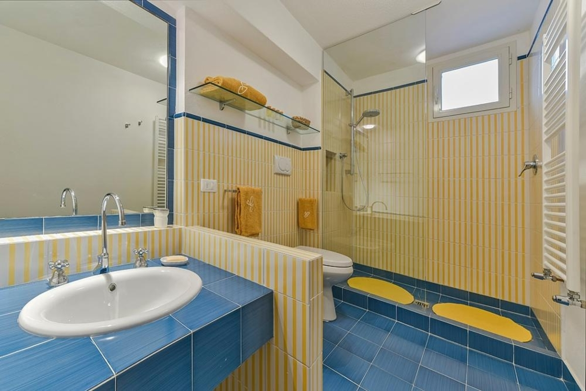 Bathroom with shower 9